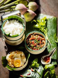 New Breakfast Photography Asian Ideas Indian Food Recipes, Asian Recipes, Authentic Thai Food, Food Flatlay, Malaysian Food, Food Photography, Breakfast Photography, Food Menu, Creative Food