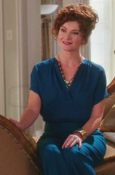 Evelyn Powell in Devious Maids S03E07
