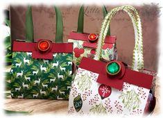 Kleine Handtaschen für Mini Lebkuchen mit DSP Weihnachtsfreuden Diy Paper, Paper Crafts, Stampin Up Weihnachten, Paper Purse, Heartfelt Creations, Stamping Up, Card Stock, Craft Supplies, Gift Wrapping