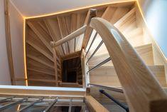 Die Treppe inklusive Beleuchtung wurde in der Hartl Tischlerei gefertigt Bungalow, Home Interior Design, Stairs, Home Decor, Carpentry, Gable Roof, Ground Floor, House Interior Design, Stairway