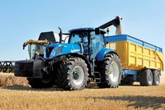 New Holland tractor harvesting at www.dirtyboots.co.uk