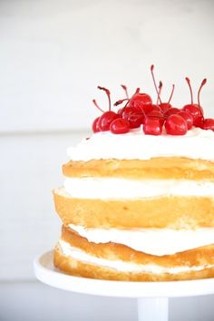 Cream cake: http://www.stylemepretty.com/living/2015/04/17/easy-cream-cake/ | Photography: Julie Blanner - http://julieblanner.com/