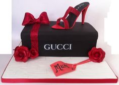 Gucci Shoe Box Cake - cake by Chocomoo - CakesDecor Bolo Gucci, Gucci Cake, Chanel Cake, Birthday Cakes For Women, 40th Birthday Gifts, Birthday Cake Toppers, Birthday Ideas, Shoe Cupcakes, Cupcake Cakes