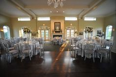 Clic White Elevated Wedding Centerpieces At Hinsdale Golf Club By Phillip S Flowers As Featured On Beau