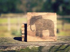 Who loves elephants! #elephant http://ift.tt/2k58wNk http://ift.tt/2jdMObK #redwolf #rusticdecor #recycledwood #countrydecor #farmhousedecor #farmstyle #wooden #woodworking #handmade #rustic #rusticlivin #repurposed #homedecor #realflorida #palletwood