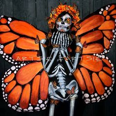 Monarchs of Mexico Day Of Dead Makeup, Mexico Day Of The Dead, Butterfly Makeup, Fantasias Halloween, Sugar Skull Makeup, Cosplay, Hand Art, Fantasy Makeup, Costume Makeup