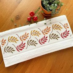 Cross Stitch Flowers, 1940s, Fashion Art, Sewing, Decor, Bath Linens, Cross Stitch Embroidery, Embroidery Stitches, Hand Embroidery