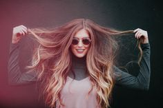 3 Tips in 3 minutes How to grow your hair longer FAST! These tips provide information about hair growth and how to grow hair fast with healthy home remedies. Home Remedies For Hair, Natural Hair Styles, Long Hair Styles, Tape In Hair Extensions, Oily Hair, Split Ends, Strong Hair, Hair Care Tips, Bad Hair