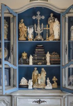 Decorate with religious objects d'art for a sense of peace. Religious Objects in French Decor Home Altar Catholic, Catholic Relics, Prayer Corner, Prayer Room, Objet D'art, Blessed Mother, French Decor, Religious Art, Religious Icons