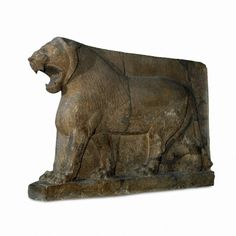 Colosall statue of a Lion 883 bc Nimrud