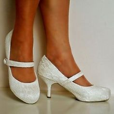 NEW-Ladies-Wedding-Bridal-Low-Mid-Kitten-Heel-Ivory-Floral-Lace-Court-Shoes-Size