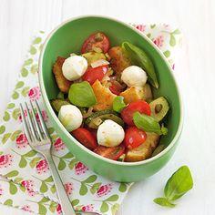 Ciabatta-Salat mit Mozzarella Rezept | Küchengötter