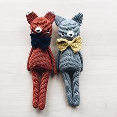 Little friends with little bows. ~ #amigurumi #amigurumis #crochet #häkeln #crochetcat #craftastherapy #crochetlove #crochetfox #makersgonnamake #hekling #amigurumitoy #crocheting #crocheted #croché #hekling #virka #crochetersofinstagram #instacrochet #crochetpattern #amigurumilove #yarn #crochetaddict #ilovecrochet #doll #crochetdoll #crochetdolls #kidsroomdecor #handmadetoy #makersgonnamake #kidsstuff