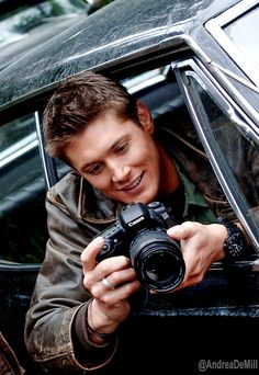 National Camera Day - Jensen Ackles - Supernatural<<< Destiel AU Dean is a photographer and meets castiel while doing a shoot in the park