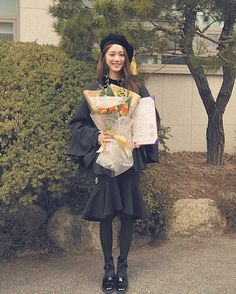 Lee Sung Kyung Graduates from Dongduk Women's University Korean Actresses, Korean Actors, Actors & Actresses, Korean Celebrities, Celebs, Korean Girl, Asian Girl, Swag Couples, Korean Fashion Ulzzang