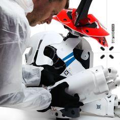 Arte Robot, Accent Colors, Bicycle Helmet, Cyberpunk, Sci Fi, Hats, Robots, Gadgets, Design