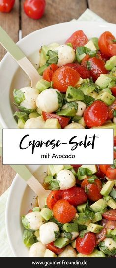 Quick caprese salad with avocado, tomatoes and mozzarella . - Quick caprese salad with avocado, tomatoes and mozzarella - Ensalada Caprese, Caprese Salat, Mozzarella Salat, Low Carb Recipes, Healthy Recipes, Quick Recipes, Easy Salads, Healthy Salads, Healthy Eating