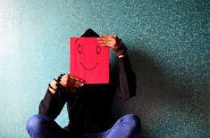 Mann, Glücklich, Gesicht, Smiley, Maske, Sitzen