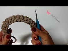 Tutorial: manici a spirale all'uncinetto - YouTube