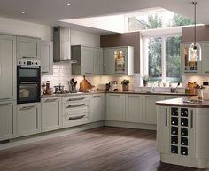 New Kitchen Grey Cupboards Breakfast Bars Ideas Howdens Kitchens, Grey Kitchens, Kitchen Cabinetry, Kitchen Flooring, Oak Flooring, Narrow Kitchen, Big Kitchen, Kitchen Grey, Kitchen Ideas