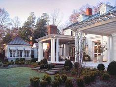 #BPHloves the #pergolas on this #gorgeous #exterior by #pursleydixonarchitecture