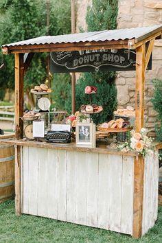 "love this ""donut shop"" Donut bar liebe diesen ""Donut-Shop"" Donut-Bar Source by . Rustic Wedding Details, Rustic Wedding Bar, Catering Food Displays, Dream Wedding, Wedding Day, Trendy Wedding, Wedding Signs, Party Wedding, Wedding Favors"