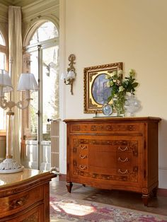 Inlaid chest of drawers with 4 drawers and marble top