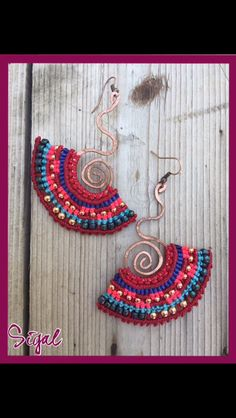 Micro macrame tribal earrings on cooper structure with metal and glass beads