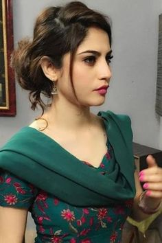 Top 100 Hottest Desi Girls Wallpapers of Pakistani Indian Girls Pakistani Models, Pakistani Actress, Bollywood Actress, Beautiful Girl Indian, Beautiful Indian Actress, Beautiful Ladies, Beautiful Eyes, Beautiful Actresses, Beauty Full Girl