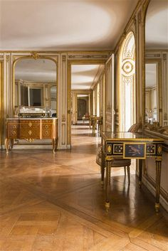 Madame du Barry's apartment in 1770 Versailles, castles of Versailles and Trianon