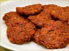 Gulrotburgere | Norsk Vegetarforening Tandoori Chicken, Burgers, Tapas, Carrots, Vegetarian, Meat, Ethnic Recipes, Food, Hamburger Patties