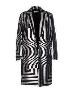 DRIES VAN NOTEN Coat. #driesvannoten #cloth #dress #top #skirt #pant #coat #jacket #jecket #beachwear #