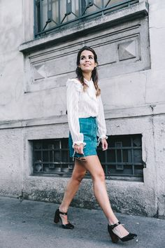 Mini_Suede_Skirt-Lace_Up_Skirt-Turquoise-Bow_Blouse-Mary_Jane_Shoes-Topshop-Outfit-Street_Style-7