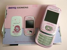 a new Hello Kitty phone. Sadly the Hello Kitty OKWAP conked out and had to be replaced Retro Aesthetic, Aesthetic Clothes, Sanrio, Cute Pink, Pretty In Pink, Dibujos Anime Chibi, Hello Kitty Collection, Old Phone, Best Phone
