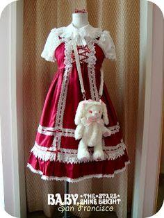 a cute possible cosplay Harajuku Fashion, Kawaii Fashion, Lolita Fashion, Gothic Fashion, Fashion Outfits, Angelic Pretty, Lolita Dress, Japanese Fashion, Gothic Lolita