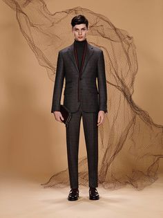 The new collection reveals once more what lies behind the curtain of Canali craftsmanship - exquisite construction, exceptional quality and distinctive details.
