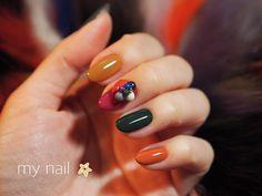 #nail#nailart#nailsart#nailswag#nailsalon#nailsalon#nailartist#naildesign#nailstagram#instagood#instanail#instaSize#handpainted#gelart#flickanail#japanesenailart#japanesenail#ネイル#ネイルアート#ネイルデザイン#ショートネイル #3dattacker#art02#theultimatebrush#bonnail my nail 変えました✨ 今週12/2はいよいよ、TAT新宿店にて大好きなyukariちゃん @__percent__ とのコラボセミナーです! セミナー内容は、ファッションのようにネイルを楽しむショートネイル✨ わたしもmy nailをショートに揃えて、冬らしいマルチカラーに、@bonnail_insta さんのカラフルマットビジューを乗っけました 12月というお忙しい中、セミナーお申し込みいただいた皆さま、本当にありがとうございます(^^)✨ お会いできるのを楽しみにしており...