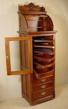 Harvard Antique Oak Dental Cabinet   (wonderful display possibilities for jewelry!) #antiquefurniture