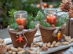 Weihnachtliche Dekoration mit Stumpenkerzen