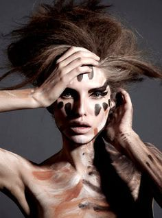 Woman Painting, Body Painting, Jamie Nelson, Vogue Photoshoot, Paint Photography, Brown Art, Bronze, Poses, Tribal Fashion