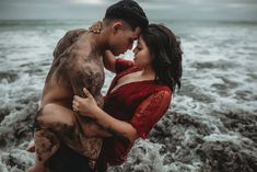 This Couple Met Right Before These Sexy Beach Photos Were Taken — but You'd Never Guess It – Photography, Landscape photography, Photography tips Romantic Beach Photos, Beach Images, Romantic Couples, Sexy Couple, Couple Shoot, Couple Boudoir, Beach Photography, Couple Photography, Photography Tips