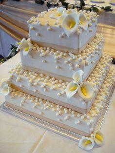 A superb wedding cake by Wedding Cake etc.