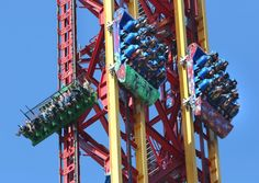 Do you prefer to drop 400 feet on Lex Luthor: Drop of Doom or #Superman: Escape from Krypton? #SixFlags
