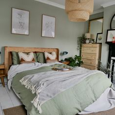 Les plus beaux intérieurs avec Made - Clem Around The Corner - Bedroom Room Ideas Bedroom, Bedroom Colors, Home Decor Bedroom, Pastel Bedroom, Green Bedroom Decor, Bedroom Rustic, Scandinavian Bedroom, Bedroom Inspo, Bedroom Inspiration