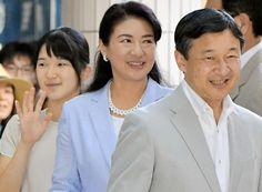 8/16/16*Prince Naruhito, Princess Masako and Aiko in Shimoda