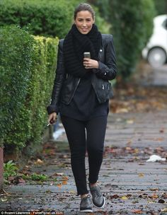 Pavement strut: Rachel Stevens stepped out make-up free on Friday as she reportedly made h. Rachel Stevens Style, S Club 7, 90s Girl, Glitter Sandals, Celebs, Celebrities, What To Wear, Celebrity Style, Winter Fashion