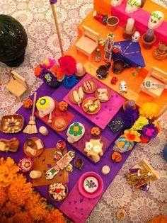 #CoffeeBreak: Mi #AltardeMuertos 2014 #DiadeMuertos Altar miniatura #Guadalajara #FloresdeCempasuchil #Mexico