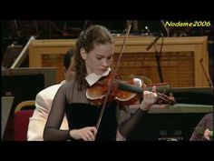 Hilary Hahn Bach Violin Sonata no.1 presto (4/4) Encore played by Hilary after her performance of Mozart's Violin Concerto no.4