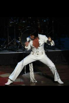Elvis (one of my favorite jumpsuits.. i think its the belt... ~Dahni) NAH, IT'S ELVIS....HE LOOKS GREAT IN ANYTHING :)