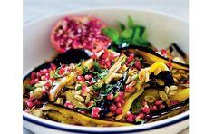 Grov salat med bagte aubergine og granatæble